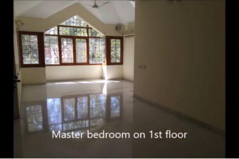 Masterbed room on 1st floor.jpg1
